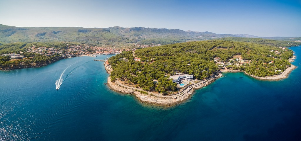Adriatiq Resort Fontana 2*/4* | Jelsa, Hvar | Akcije do -30%